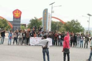Aksi ISD depan Kampus Untad - Palu